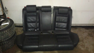 A4 B7 Black Leather Heated Rear Seats West Island Greater Montréal image 1