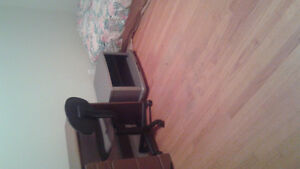 Room for rent Avalon mall /Mun area
