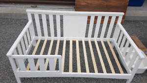 Toddler bed $95