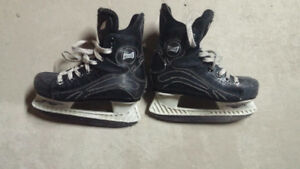 Mission youth skate size 12
