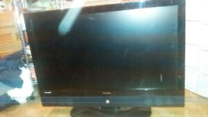 42 Inch ViewSonic LCD Flat Screen TV with Remote