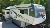 37' 5th Wheel Cedar Creek Trailer
