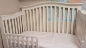 Pali White crib with toddler rail and mattress
