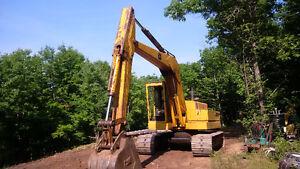 690 John Deere Excavator