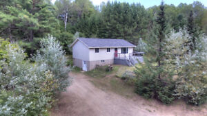 BEAUTIFUL 3 BEDROOM HOME ON PRIVATE LOT!!