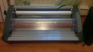 Royal Sovereign Tabletop Laminator 27in   Model RSL-2701
