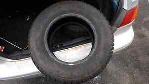 4 Cooper  winter tires less than 1000km of use Kitchener / Waterloo Kitchener Area image 2