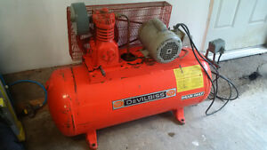 DeVilbiss 40 Gal Heavy Duty Air Compressor
