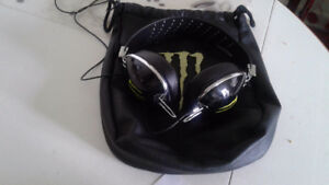 Monster energy,skull candy head phones,look and sound great