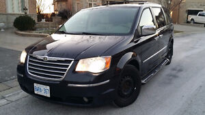 2010 Chrysler Town & Country Limited, leather, Navigation
