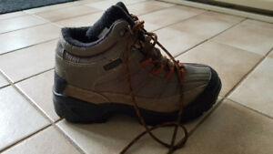 Hiking Boots - Size 9