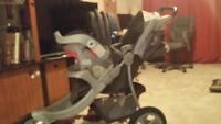 Graco 3 wheels stroller and two baby car seats with 2 car bases