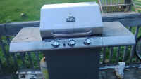 Masterchef T420 BBQ for sale! Need gone $80 w/ prop. tank.