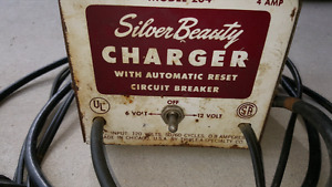 Vintage Silver Beauty 6 &12 V Battery Charger