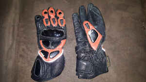 Padded motorcycle gloves