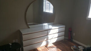 Bedroom dresser set