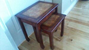 SET OF 2 STACKING/NESTING TABLES