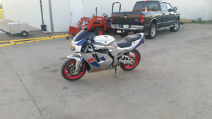 Gsxr 750 for sale or possible trade!!