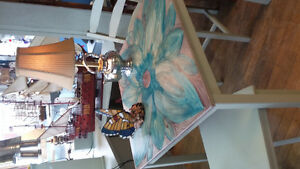 funky table w 2 chairs