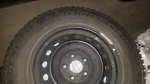 Winter Tires - General Altimax Arctic 215/70 R16