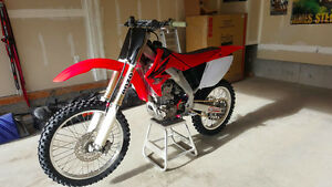 2005 CRF250R in great shape. Runs awesome!