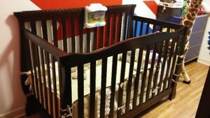 Stork Craft 3-In-1 Stages Crib