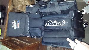 Brian's goalie equipment London Ontario image 3