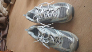 Sketchers running shoes
