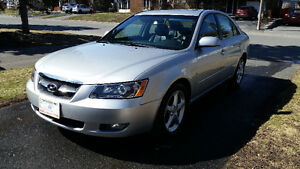 2008 Hyundai Sonata V6 - ONLY 85000KM - LOADED!!!