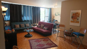 Lease Transfer 3 1/2 Apartment (One bedroom + Den) From Oct 1st