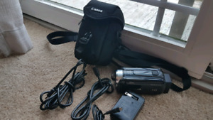 Canon HF R400 Camcorder - HD