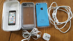Apple iPhone 5C 8GB unlocked blue with lifeproof case