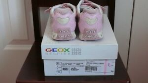Girls GEOX Running Shoes West Island Greater Montréal image 5
