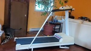SUPER-WORKING TREADMILL in Great Condition