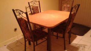 Mobilier de cusine - Table et chaises