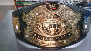 WWE undisputed heavyweight replica title belt