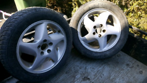 "Mags 16"" volvo avec 205-55-16 hiver"