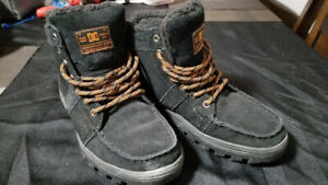Black DC High top Shoes - Size 8.5