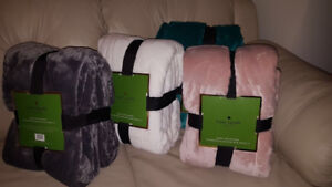 Kate Spade Blankets for sale brand new
