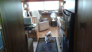 1985 Glenette Trailer with add a room at Springlake RV Park London Ontario image 5