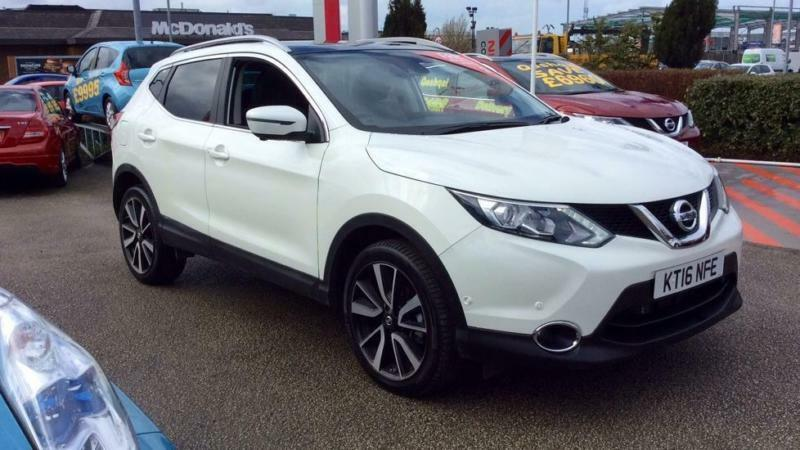 2016 nissan qashqai 1 6 dci tekna xtronic automatic diesel hatchback in ashton on ribble. Black Bedroom Furniture Sets. Home Design Ideas