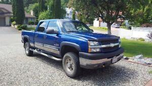 2003 Chevrolet Silverado 2500 LT Pickup Truck