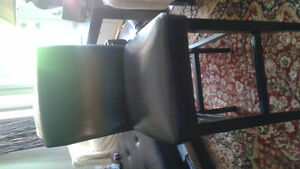 3 bar stools... like new