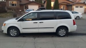2010 Dodge Grand Caravan SE - ONE OWNER - WELL MAINTAINED