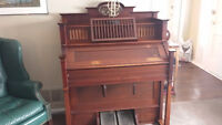 MASON AND HAMLIN PUMP ORGAN