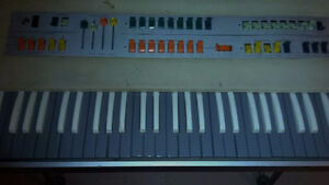 """""""Vintage Red Farfisa combo compact keyboard organ"""" West Island Greater Montréal image 5"""