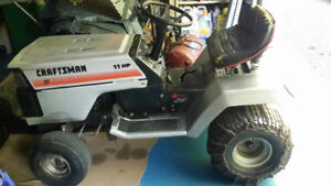Lawn Tractor Excellent w/ 40 inch deck Low Price