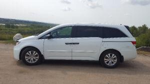 2014 Honda Odyssey SE Minivan, Van