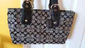 Authentic COACH signature canvas handbags Windsor Region Ontario image 2