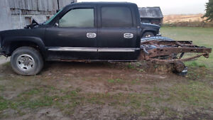 Parting out 99-06 chevy/gmc trucks